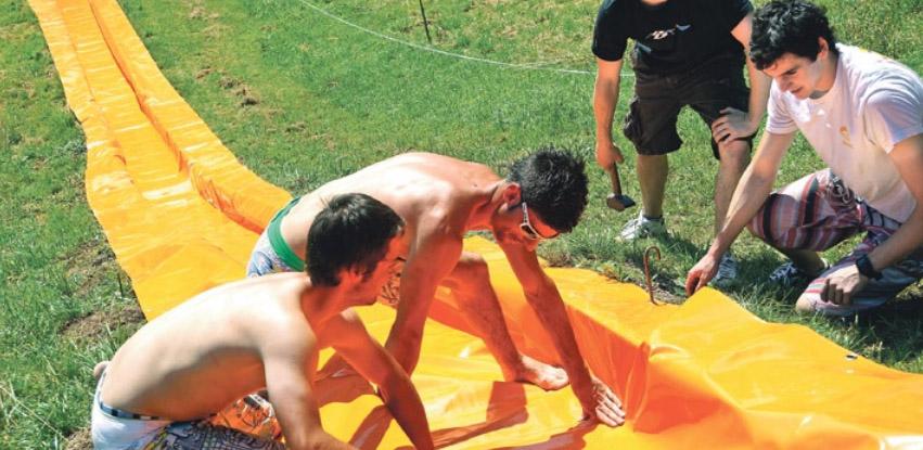 Fricktaler bauen längste Wasserrutsche der Region